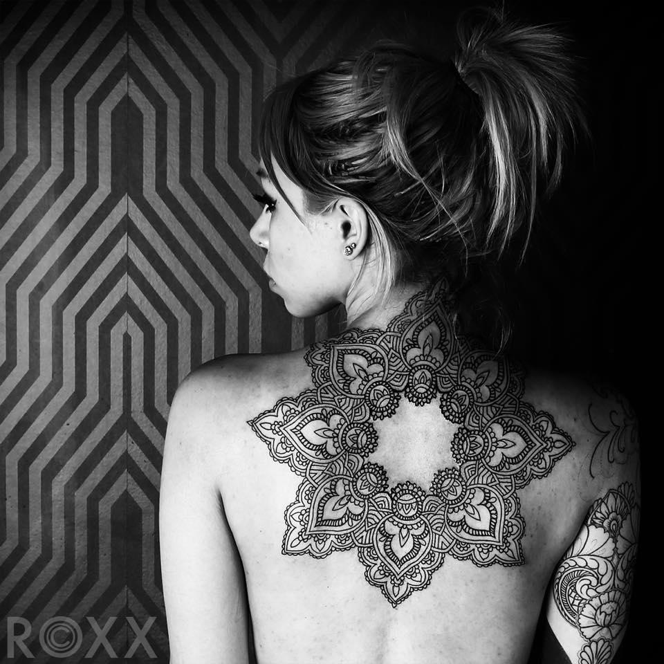 черно-белые татуировки Roxx