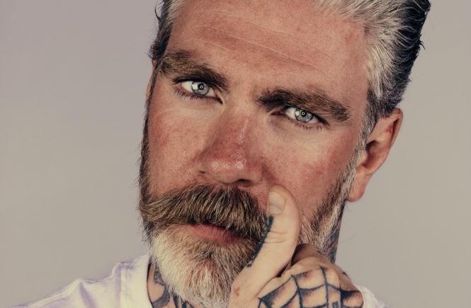 Красивый бородатый мужик Брок Элбанк (Brock Elbank)