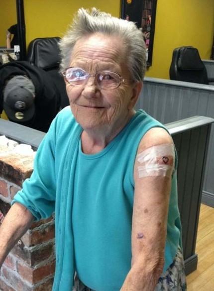 Sadie Sellers - татуировка в 79 лет