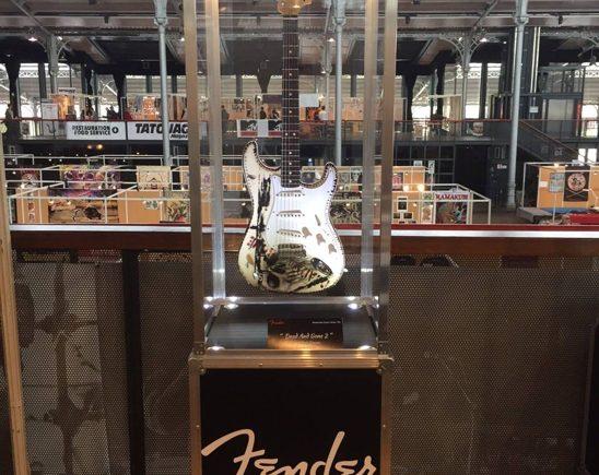 Гитара Fender в стиле Трэш-Полька