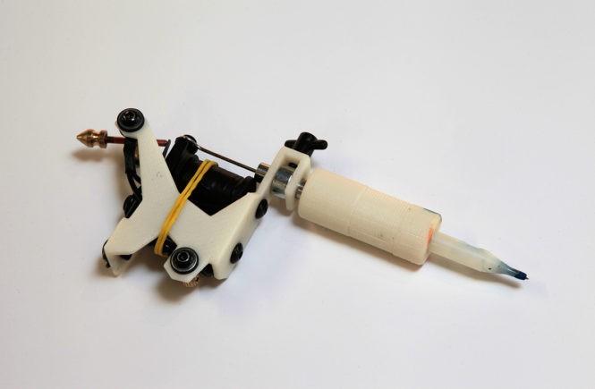 тату-машинка, напечатанная на 3D-принтере