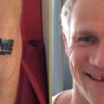 Фли (бас-гитарист) Red Hot Chili Peppers сделал татуировку в память об ушедшем Дэвиде Боуй