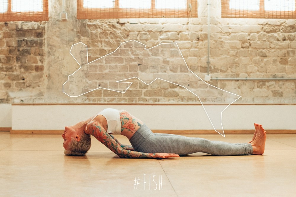 Moriya Neva & Jacqueline Dawn (йога, асана, рыба)