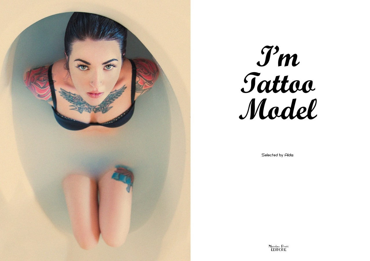 книга «I'm Tattoo Model»