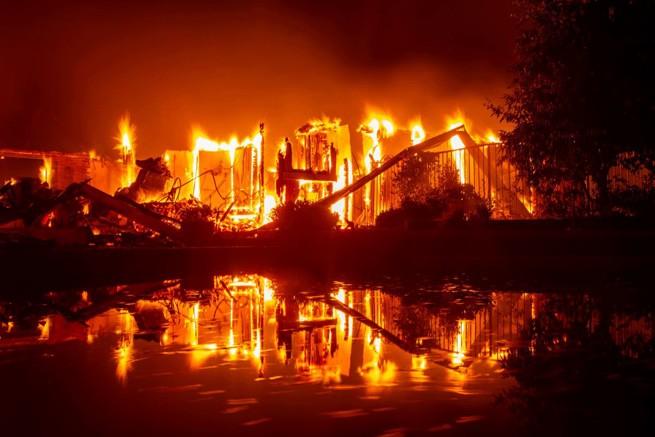 калифорния, лесной пожар, стихийное бедствие, настоящий монстр, чрезвычайное положение