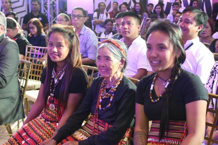 Ванг Од Оггэй, Ванг Од, самый старый тату-мастер, Manila Fame, ВВС Филиппин