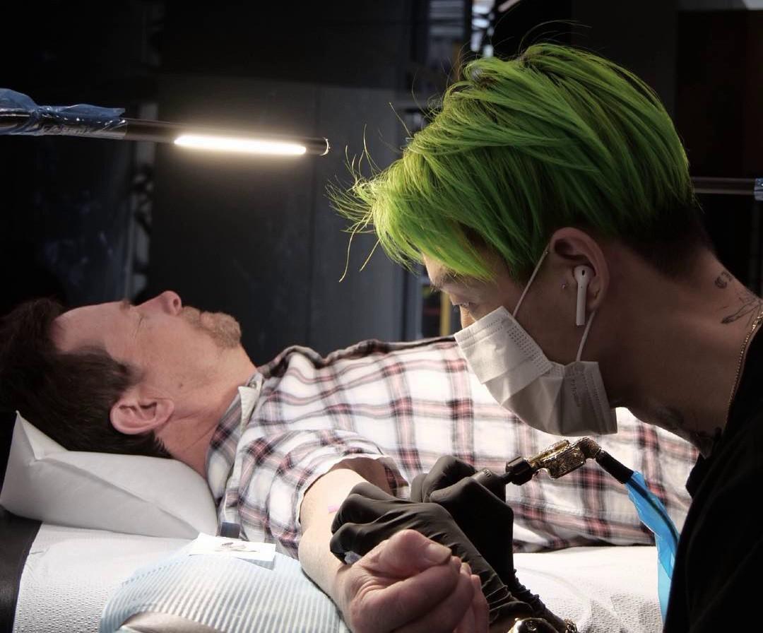 Майкл Джей Фокс, Bang Bang, татуировка черепахи, назад в будущее, болезнь паркинсона