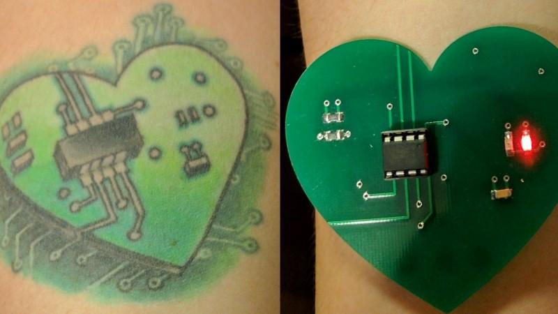 печатная плата, татуировка сердца, радиоэлектроника, светодиоды, азбука морзе, любовь, отношения, проектирование
