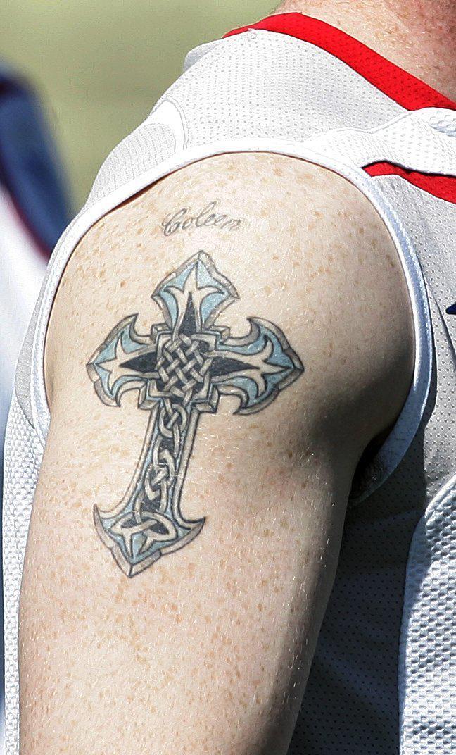 Уэйн Руни, Coleen, супруга Уэйна Руни, кельтский крест, татуировка Уэйна Руни
