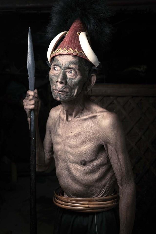 Нага, инициация, племенные татуировки