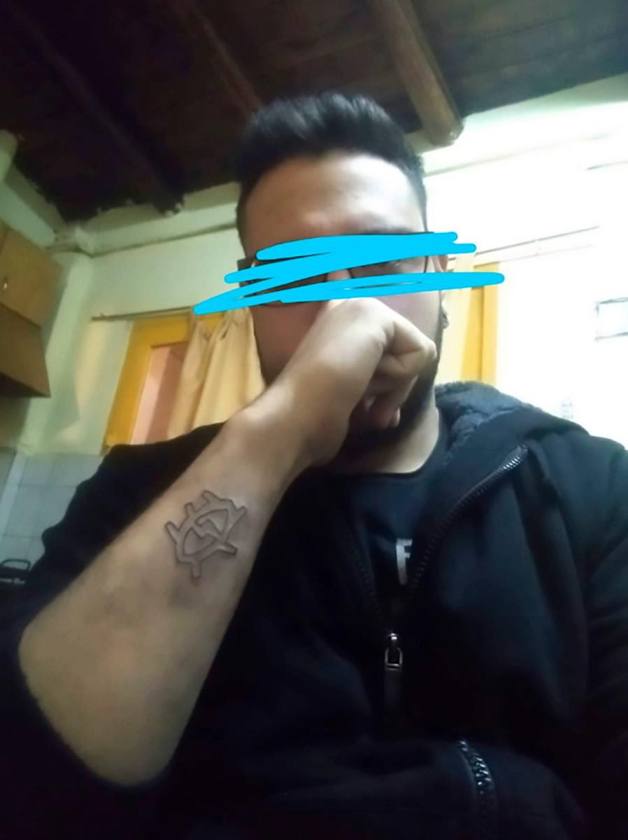 удаление татуировки дома, полиция аэропорта, аргентина, терка, татуировки и работа, запрет на татуировки, сведение татуировок, the sun