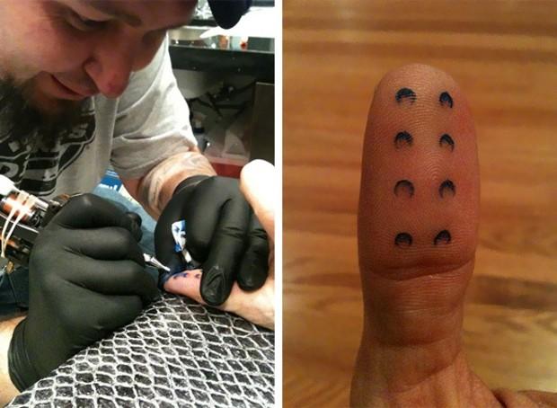 лего-татуировка, Натан Савайя (Nathan Sawaya)