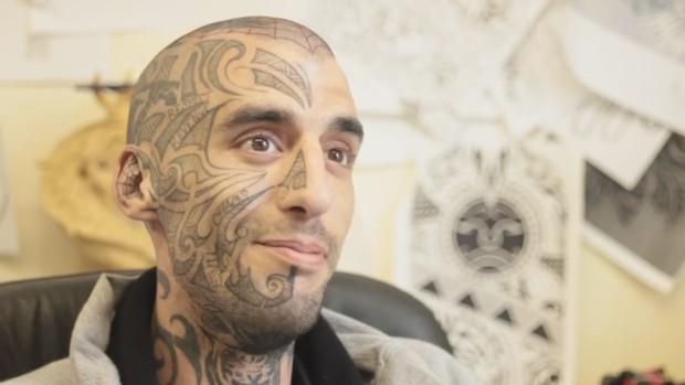 крис ватсон, татуировка, благотворительность