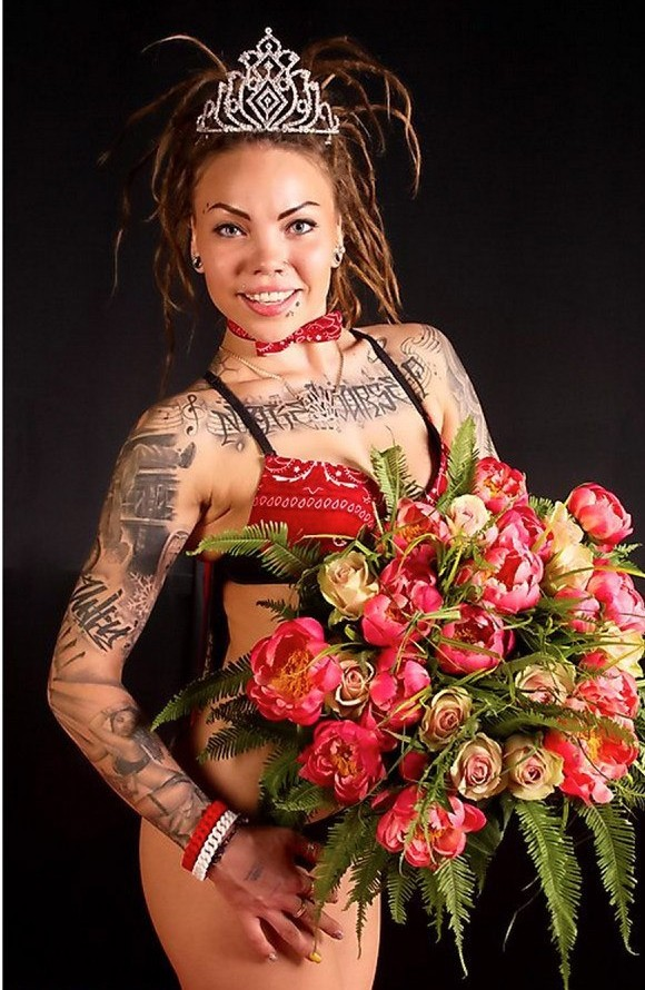 света сид ананас, tattoo queen