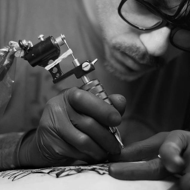 Хаим Махлев (Chaim Machlev) татуировщик из Берлина