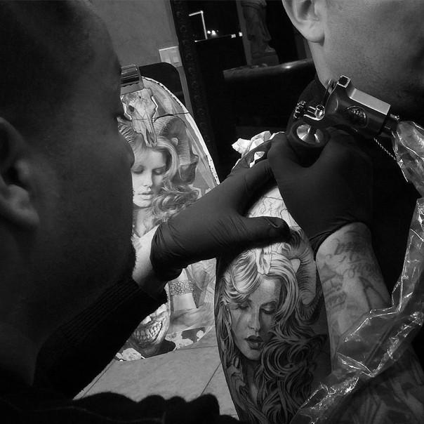 хосе лопес (jose lopes) черно-белые татуировки чикано