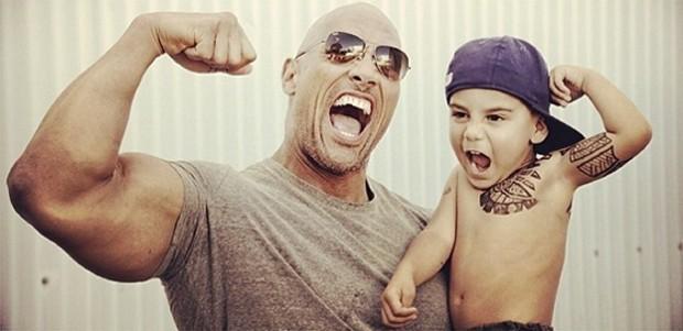 Дуэйн Джонсон (Dwayne Johnson) и его поклонник татуировка