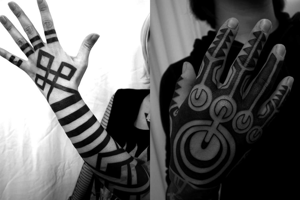 Taku Oshima: классические черно-белые трайбл-тату