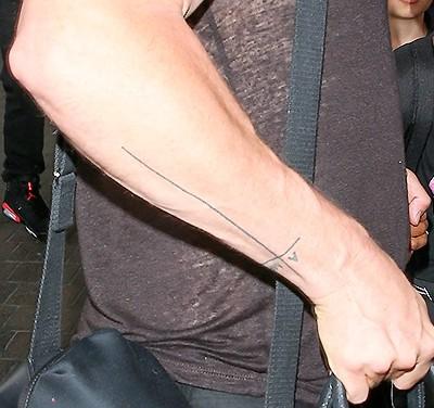 Новая татуировка Бреда Пита
