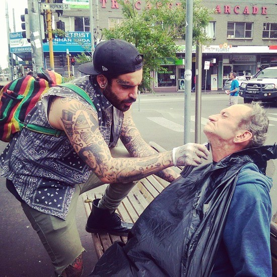 Nasir Sobhani - уличный парикмахер-меценат из Мельбурна