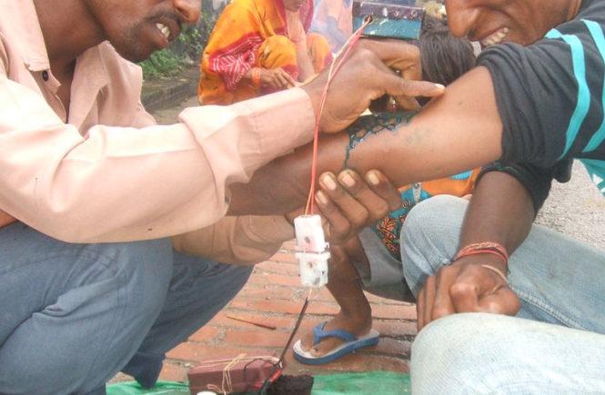 уличная татуировка в Индии