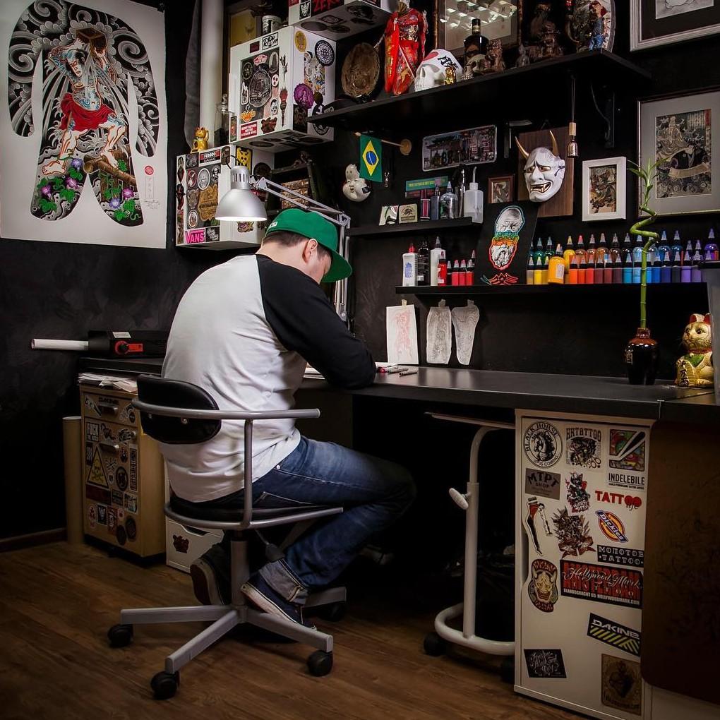 Сергей Буслаев  -  мастер японской татуировки