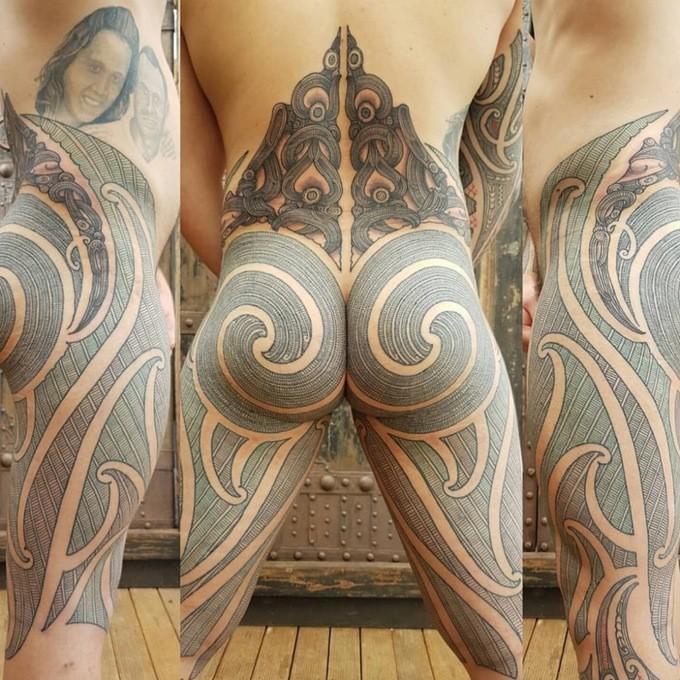 маори: татуировка на ягодицах