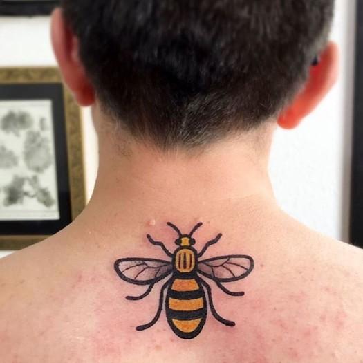 татуировка, пчела, манчестер, теракт