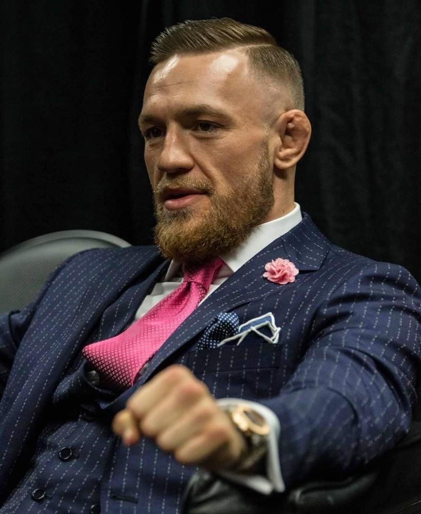 конор макгрегор, костюм, фак ю, fuck you, пресс-конференция