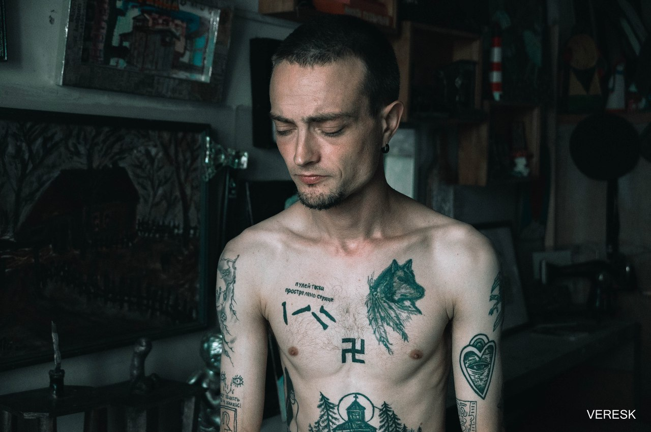 омский художник, никита поздняков, суд, абсурд, штраф, татуировка свастики
