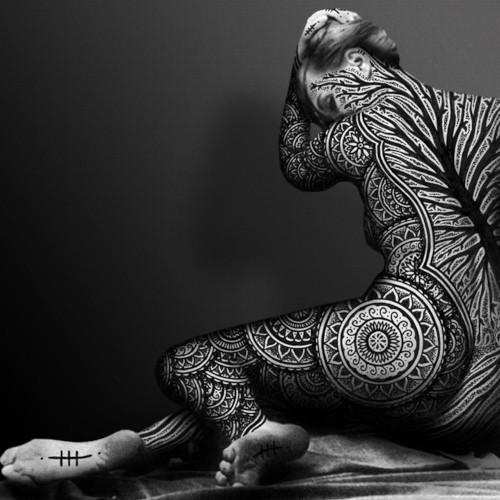Вотсун Аткинсон, Watsun Atkinsun, Illuminated Transformations, тату-костюм, тату-художник, черно-белая татуировка, орнаментальная татуировка