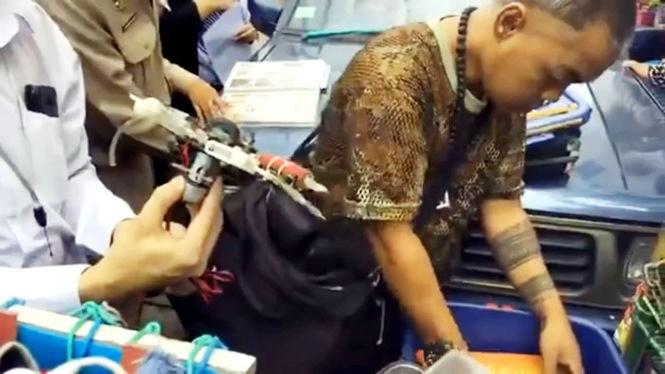 Бангкок, Таиланд, Klong Lot, мобильная студия татуировки, проверки, департамент здоровья и гигиены, вич, вируса иммунодефицита