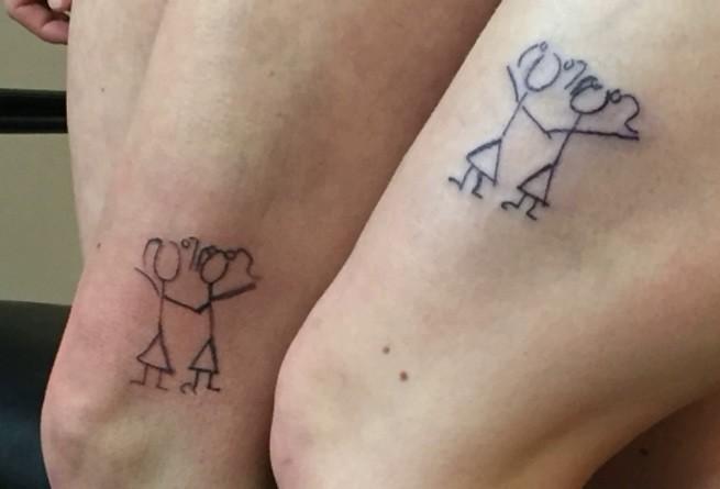 парные татуировки, татуировки друг-другу, лесбийские татуировки, татуировки для девушек, татуировки на бедре, символ лесбиянок