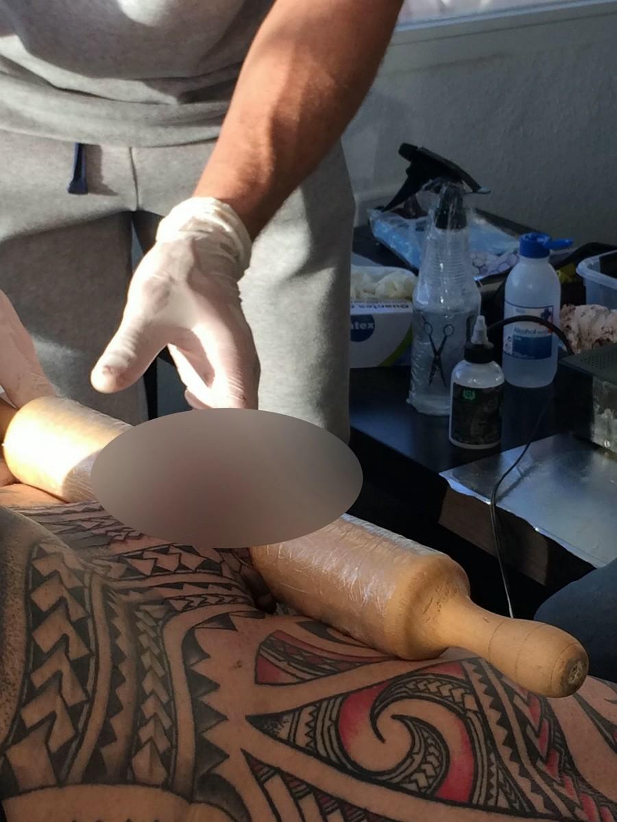 ray нoughton, татуировка на члене, масштабная татуировка, тату-костюм, скалка, татуировка на пенисе, татуировка на гениталиях, пенсионер с татуировками