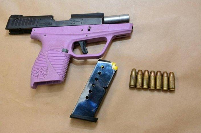 Мирелла Понс, Tiny Rascal Gang, полиция США, гангстеры, Калифорния, преступный мир, бандитизм, незаконное хранение оружия