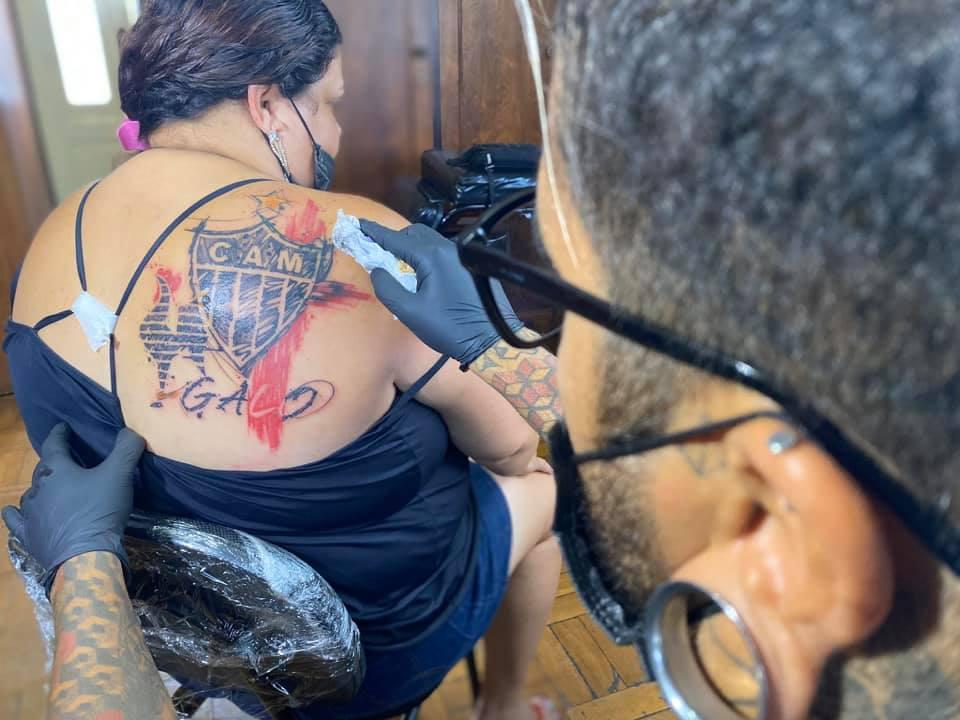 бесплатная татуировка для фанатки футбольного клуба Атлетико Минейро