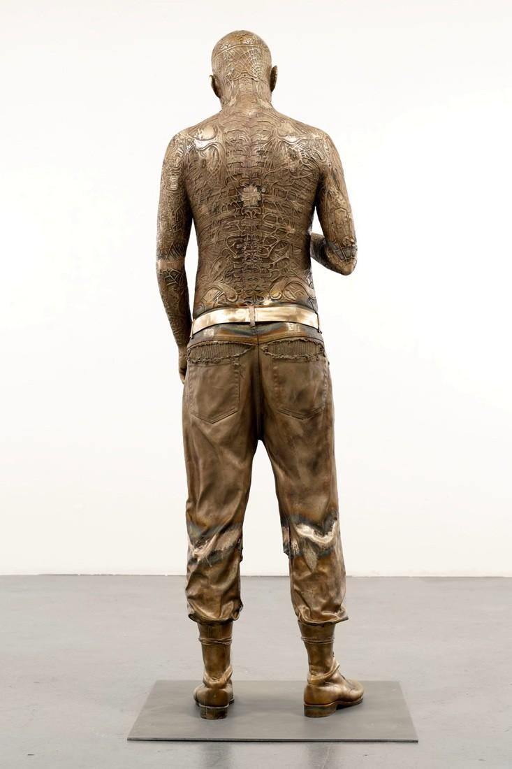 Зомби Бой или Рик Дженест - бронзовая статуя (автор: Марк Куинн)