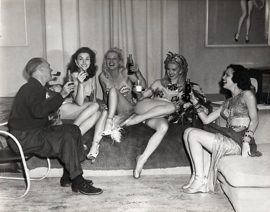 Эрл Моран и его голливудские модели