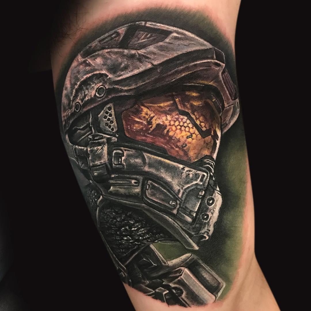 татуировки в стиле реализм, Майк Де Врис, красящие пигменты Eternal