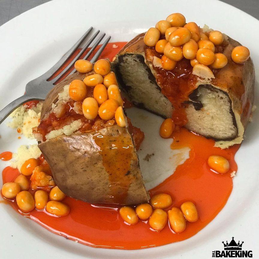 запеченная картошка с соусом и бобами - дизайнерские торты от бывшего татуировщика по имени Бен Каллен (Ben Cullen)