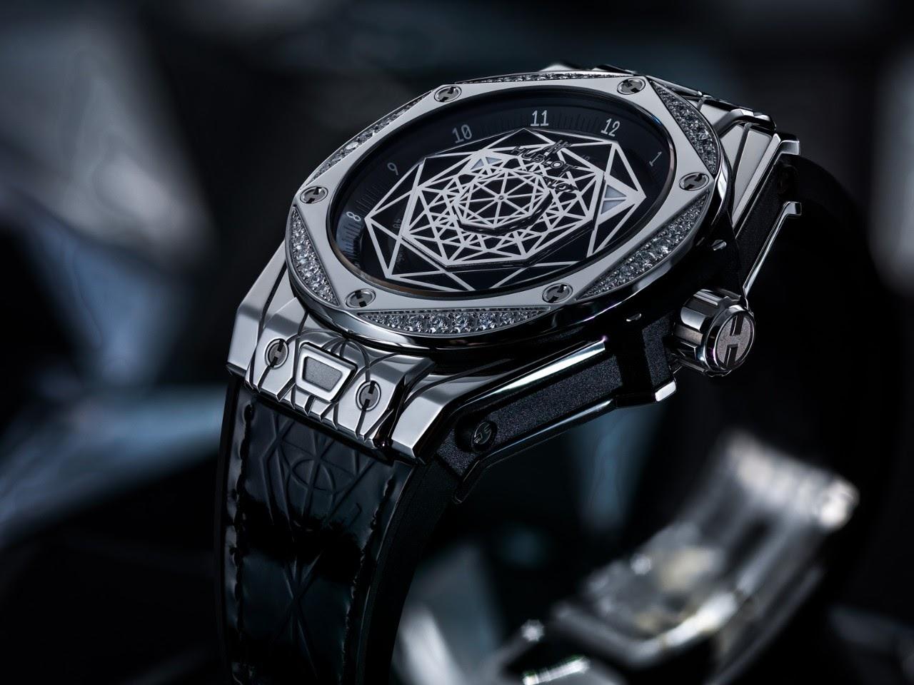 часы Hublot серии Big Bang Sang Ble