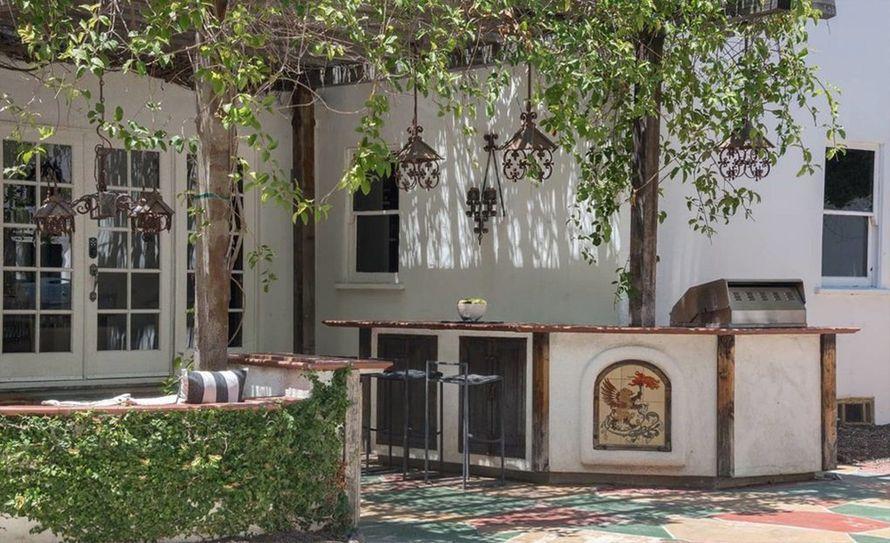 дом Кэт Вон Ди на Голливудских Холмах
