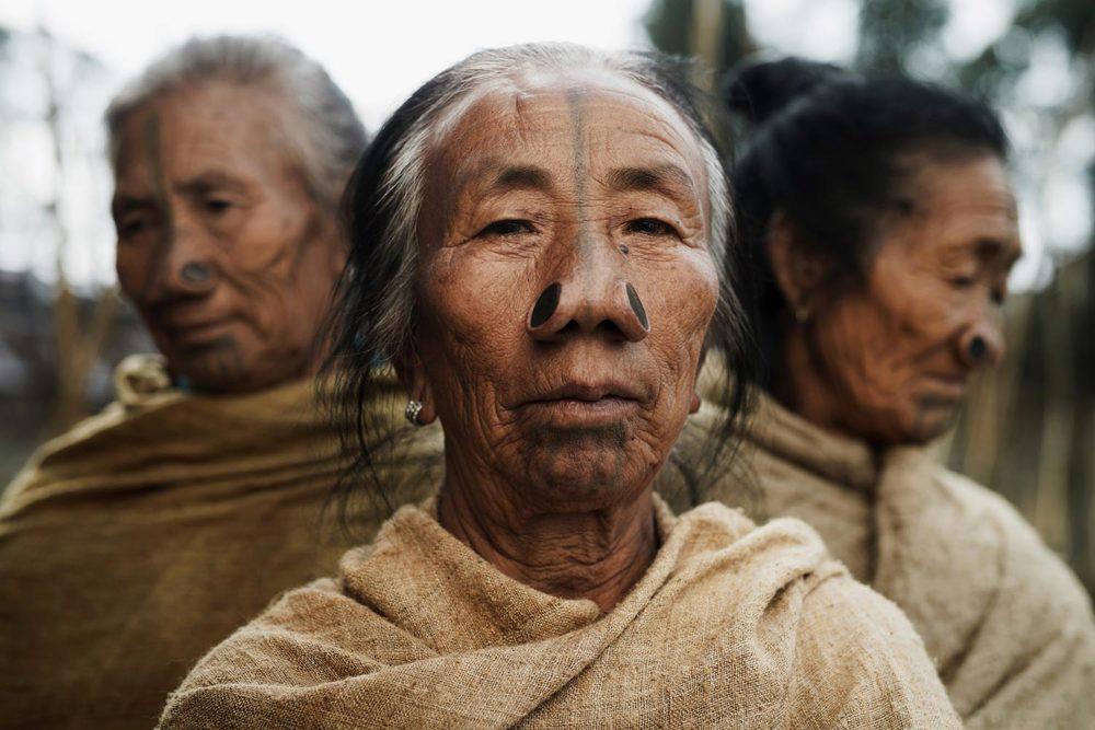 традиционные татуировки коренных жителей Индонезии