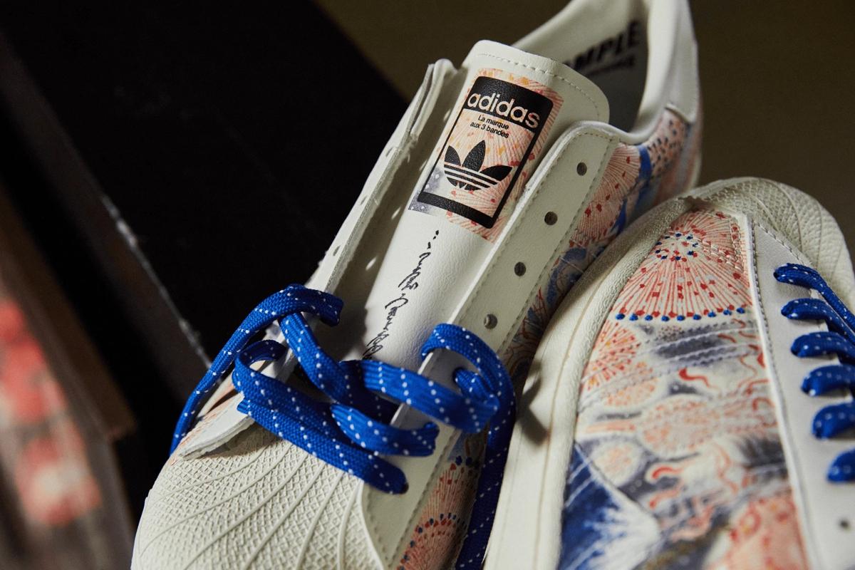 кроссовки adidas в тату-стиле